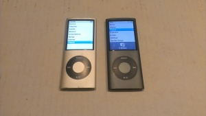 iPod Nano 4th Gen. 8GB (Black+Silver)